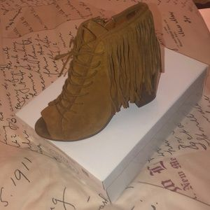 Steve madden open toe booties with fringe. Size 11